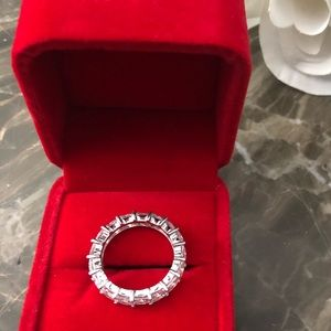 Jewelry - 7.75cz but gorgeous ring